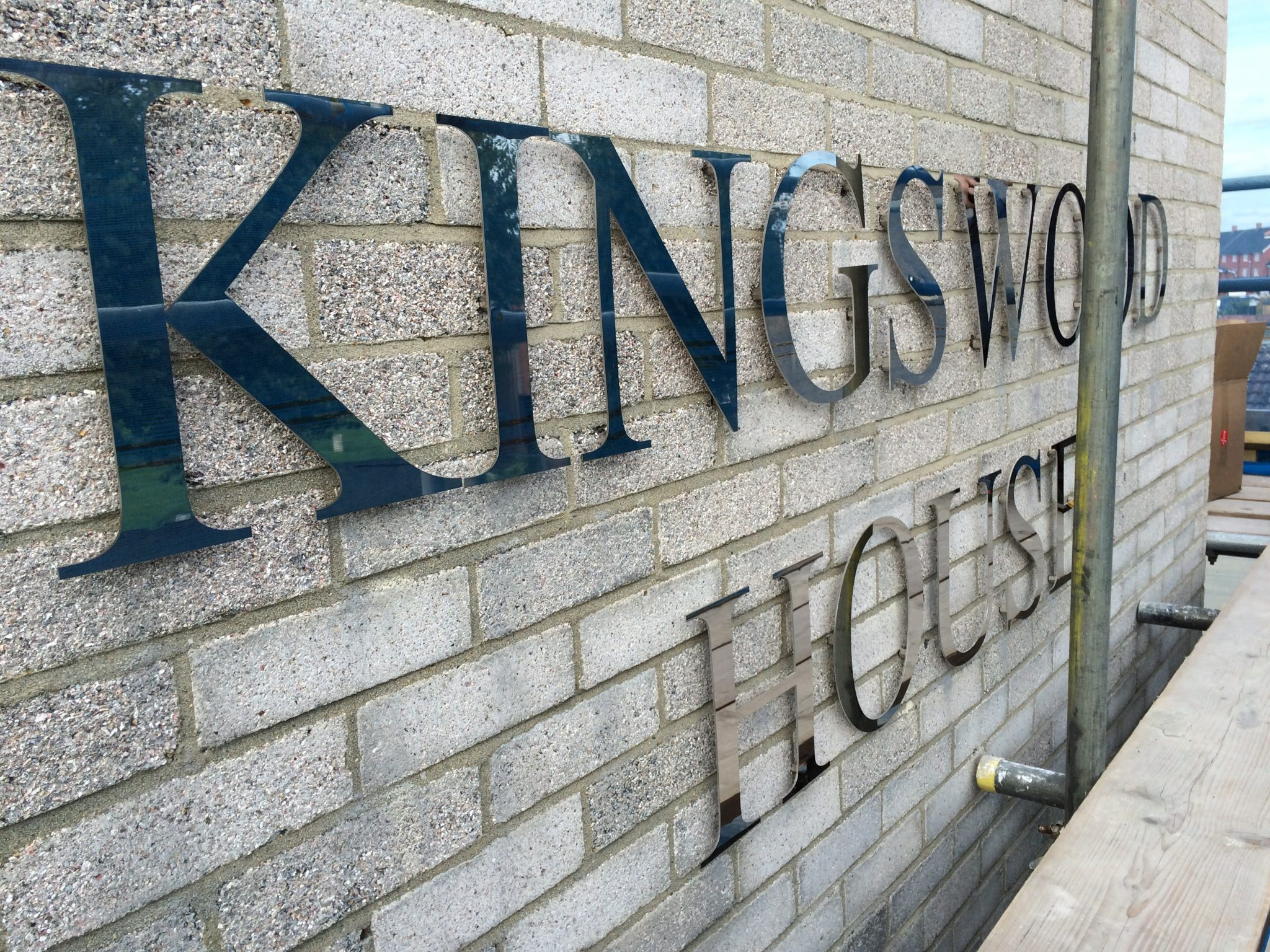 Kingswood House Lettering